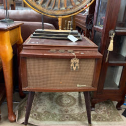 Antique 3 Speed Phonograph