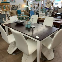 Contrast Dining Table Mod Weldon Chairs